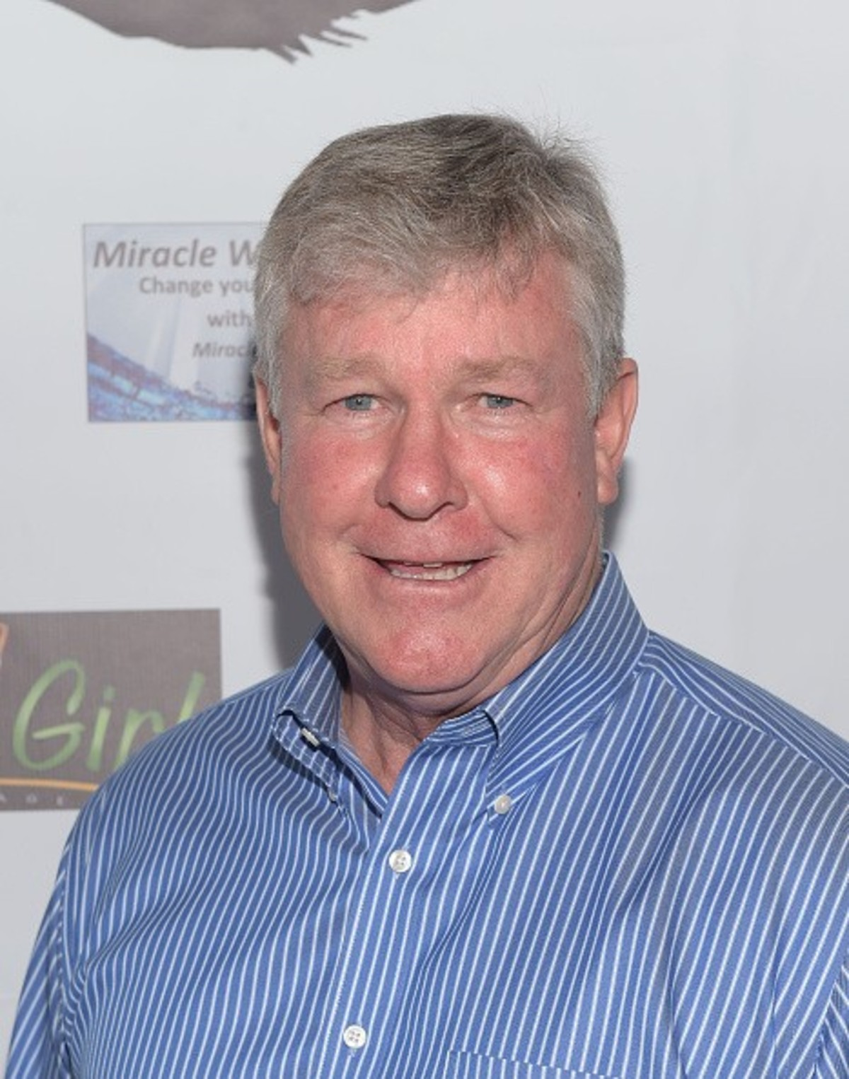 How tall is Larry Wilcox?