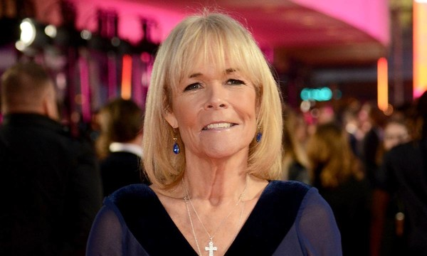 How tall is Linda Robson?