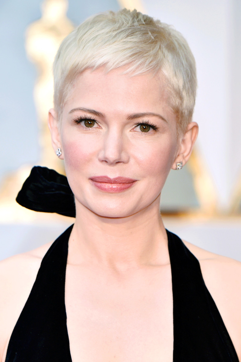 How tall is Michelle Williams?