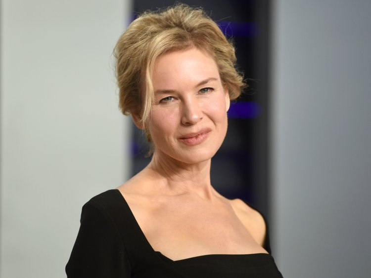 How tall is Renee Zellweger?