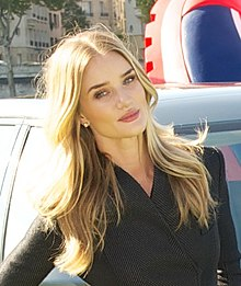 How tall is Rosie Huntington Whiteley?