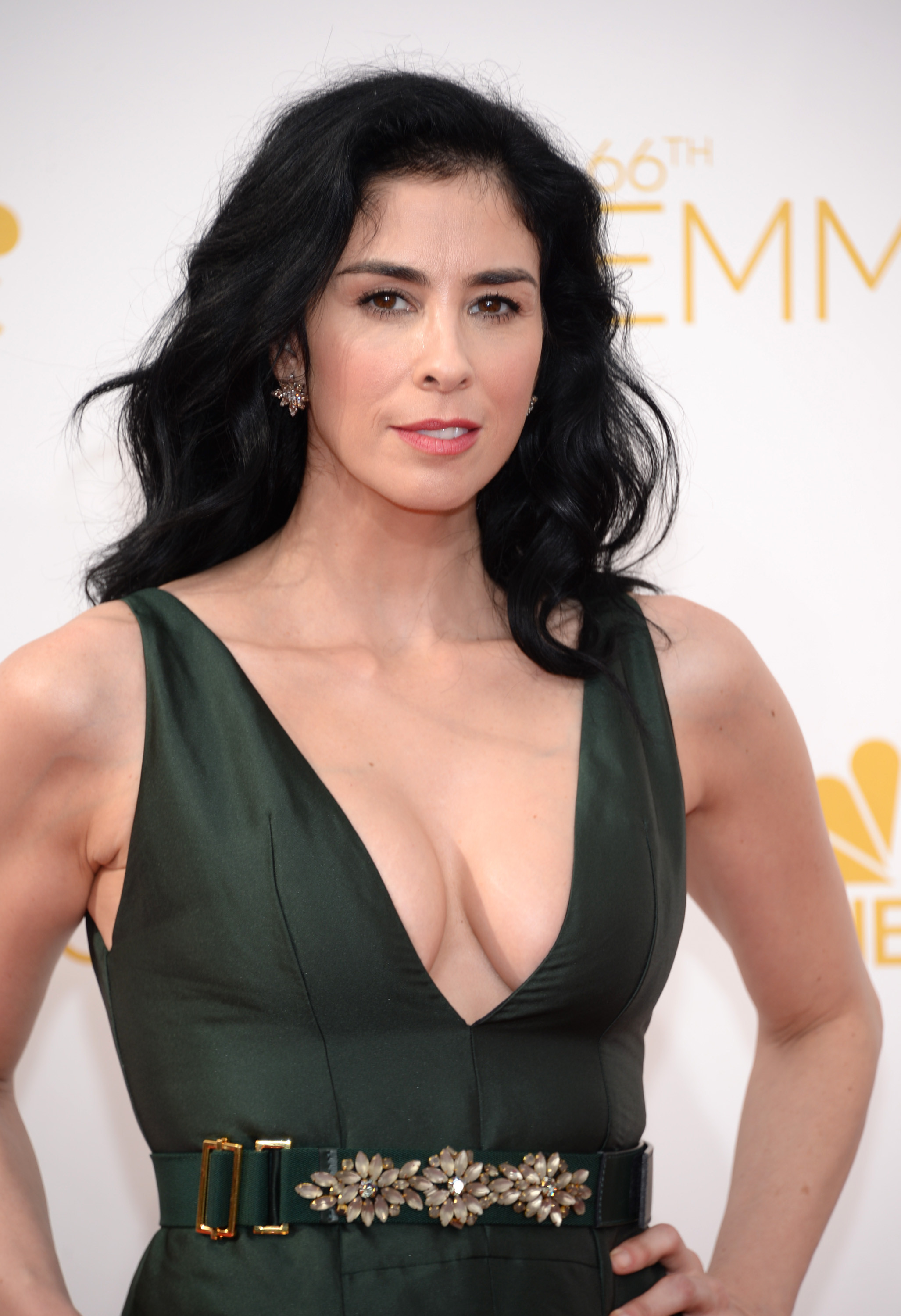 How tall is Sarah Silverman?