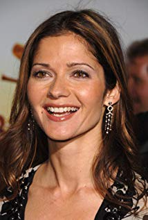 How tall is Jill Hennessy?