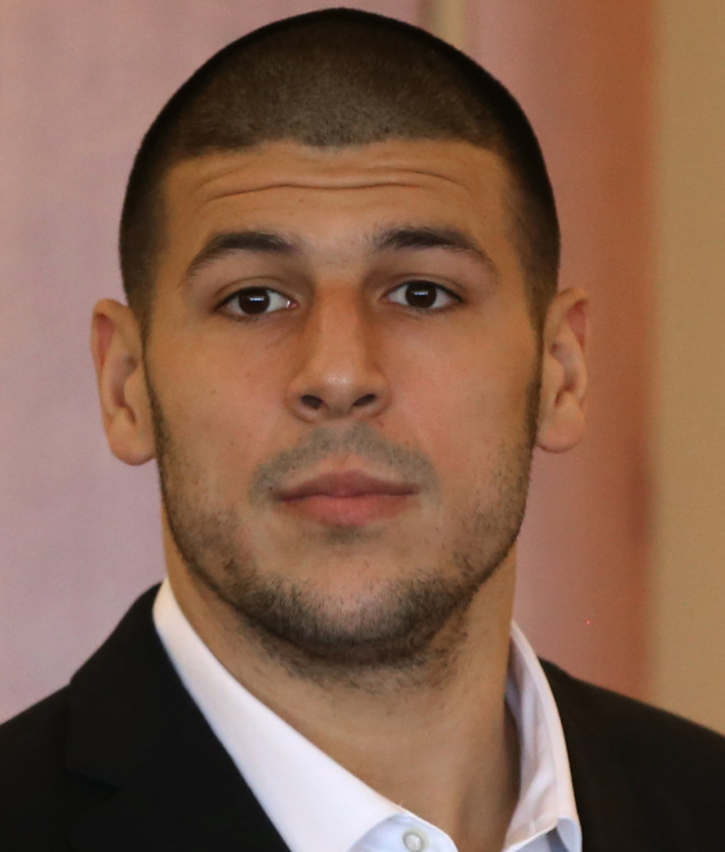 How tall is Aaron Hernandez?