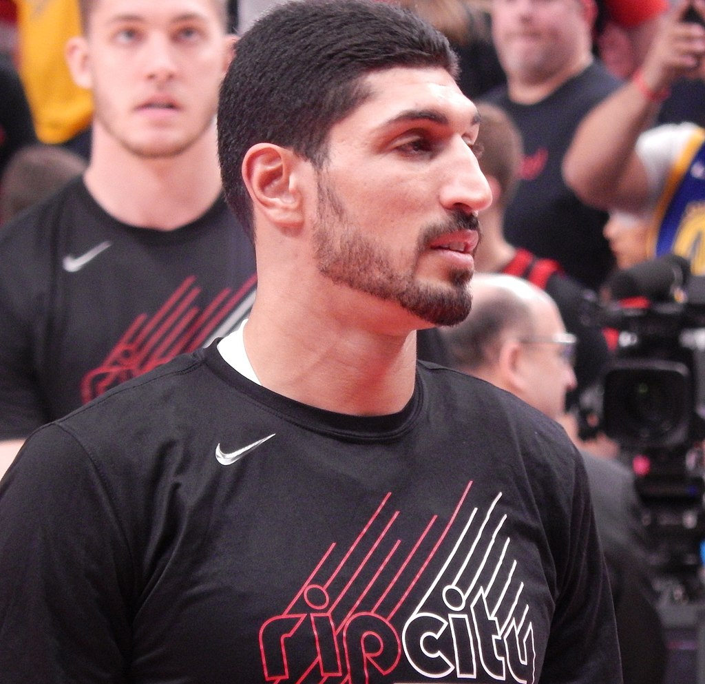 How tall is Enes Kanter?