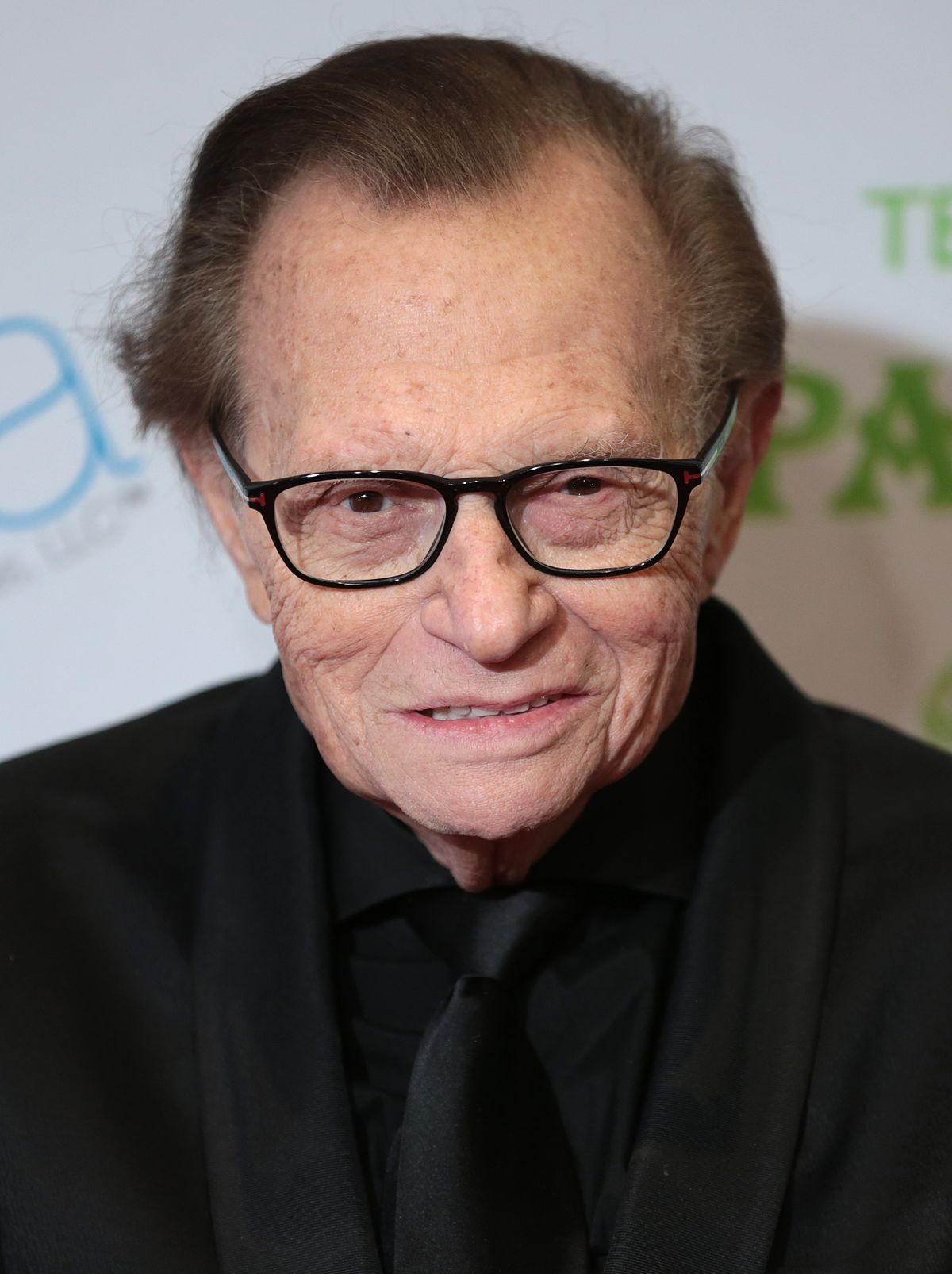 How tall is Larry King?