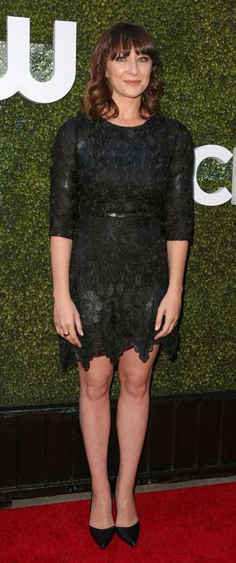 How tall is Isidora Goreshter?